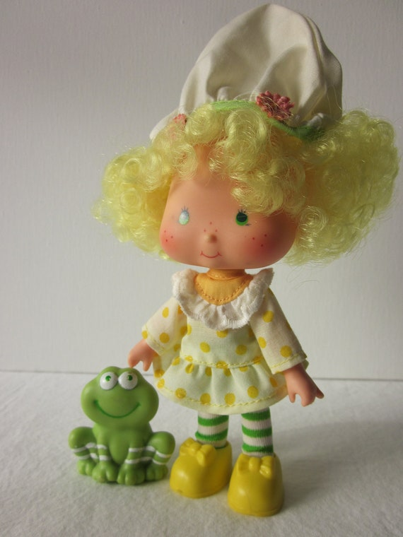 Lemon Meringue and Frappe Frog Miniature Figurine   Frappe