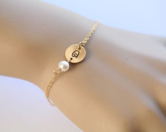 Personalized initial Bracelet,silver or gold custom stamped monogram,pearl initial bracelet,custom font,Bridesmaid gift,bridal party jewelry