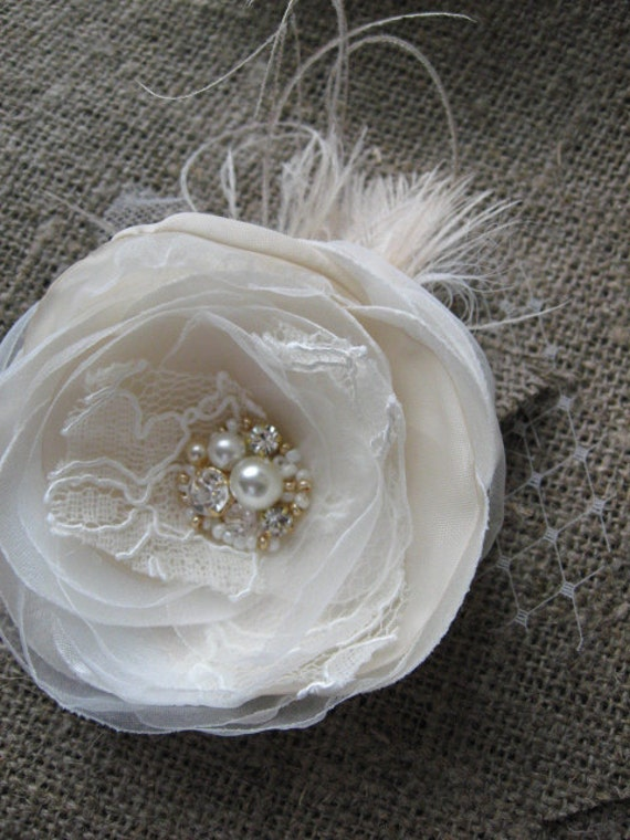 Wedding burlap fascinator Bridal Hair accessory clip hair piece with veil netting  IVORY GOLD CHAMPAGNE lace Flower