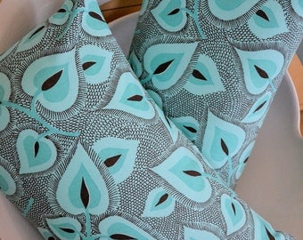 Turquoise Retro Leaf Pillow Cover