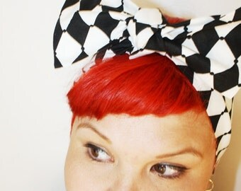 Vintage Inspired Head Scarf, Bow or Bandanna Style, Queen of Hearts, Alice in Wonderland, Black and White