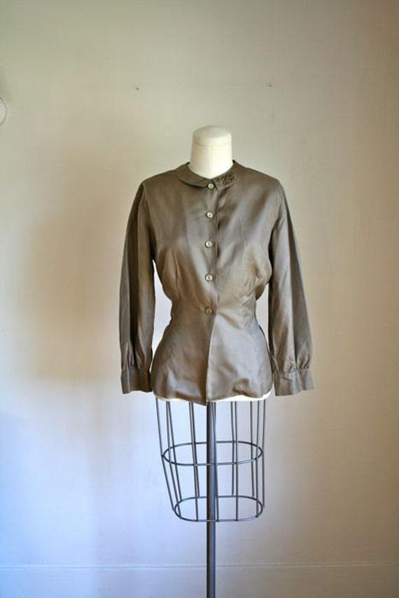 vintage monogram blouse - PUTTY GREY peter pan collar blouse / M
