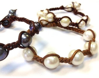 SALE - Freshwater Pearl and Leather Bracelet - SaiSaMorn (et45)