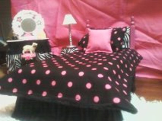 items similar to pink polka dot on black barbie monster high bedding set on etsy. Black Bedroom Furniture Sets. Home Design Ideas