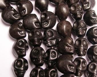 Howlite skull - black   - 12mm  -1 full strand - 30 beads