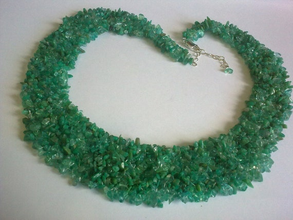 Bright Green Agate Necklace... Agate Chip Bib