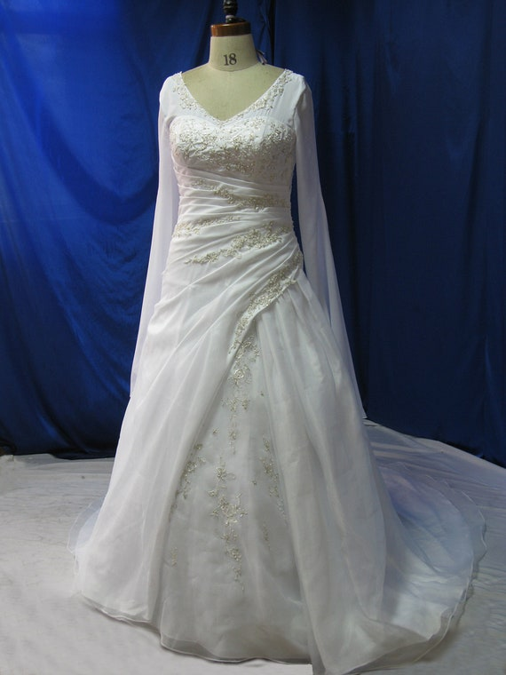 Plus size wedding dress with sleeves medieval style for Medieval style wedding dress