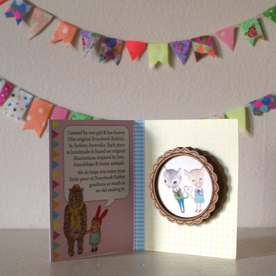 Love Cats Wooden Round Frame Illustrated Brooch