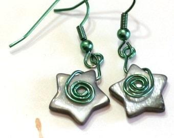 Black and Green Star Charm Earrings - Black glass pearl star and green wire Fashion Earrings - womens jewelry