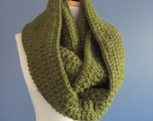 chunky cowl scarf,chunky scarf cowl,cowl chunky scarf,scarve scarf,crochet cowl scarf, deep olive green scarf (Choose any color below)