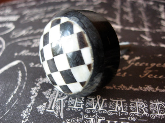 Classic Checker Knobs Traditional Modern Black and White Checkered Marbled Circular Knobs for Drawers or Cabinets Last Set of 2
