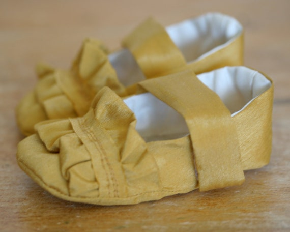 Baby Girl Shoes, Toddler Girl Shoes, Baby Booties, Flower Girl Shoes,  Ruffle Gold Mary Janes - Ready to Ship