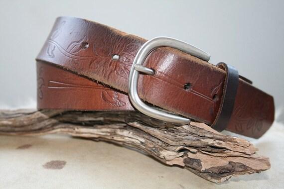 07 Vintage Belt. Tooled Leather Belt. Flower Tooling.