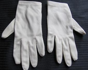 Vintage Beige Brown Ladies Wrist Gloves (E19)