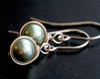 Green Swarovski crystal pearl earrings, gold, pearl earrings, spring green, 8mm, dangle, drop, Mimi Michele Jewelry