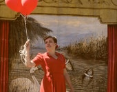ballons rouges, red balloons 8x8 photo print with vintage mood