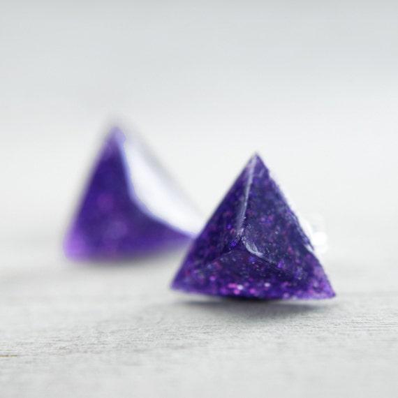 pyramid post earrings in shimmery purple