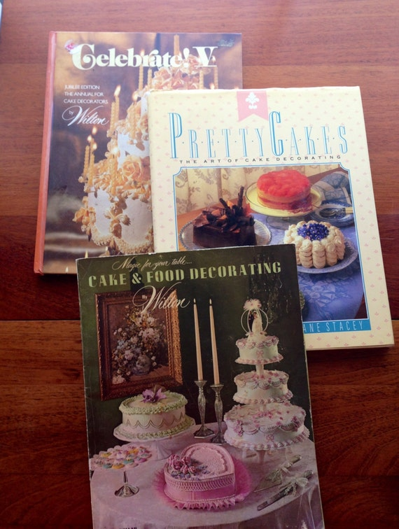 Cake Decorated Like Books : 3 Cake Decorating Books Wilton vintage 1970s/1980s