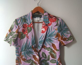 Harve Benard Hawaiian print short sleeved, cruise wear, button up blouse, ethnic print womab blouse, summer
