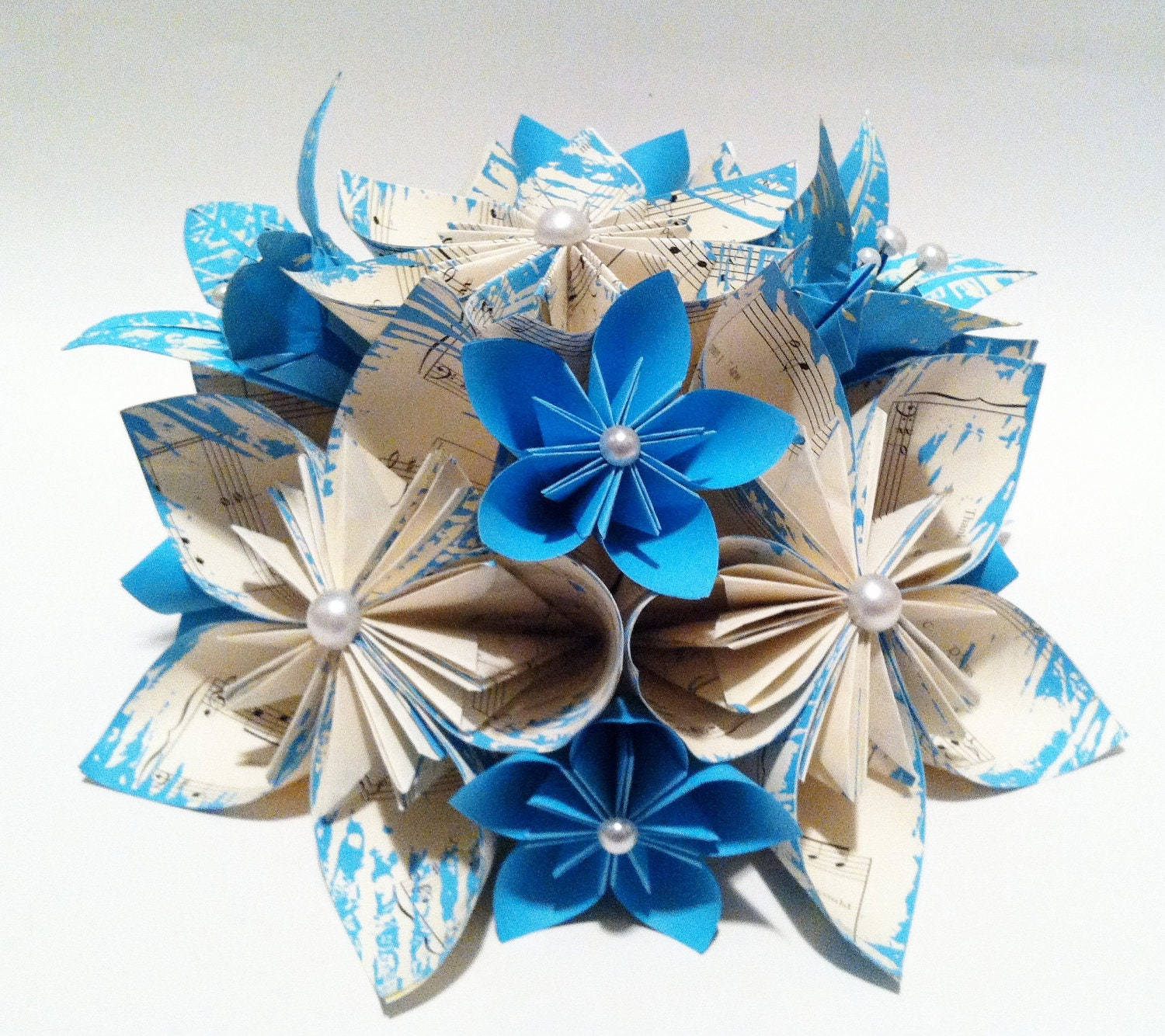 Origami wedding centerpiece paper flowers and by for Decoration origami