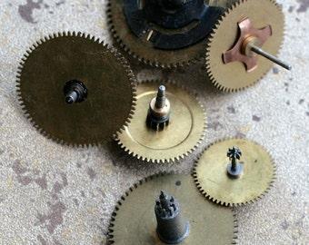Vintage clock large brass gears -- set of 6 -- D6