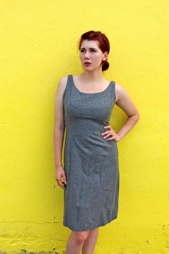 1950's. wiggle dress. heather grey. mad men. vintage dress. Sz m/l.