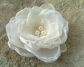 Wedding Hair Flower,Bridal Fascinator,Ivory Bridal Flower Clip,Wedding Hair Accessories, Flower Hair Clip, Fascinator Pearls Bride Headpiece