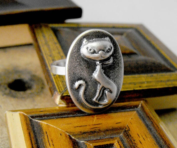 Sterling silver mysterious cat. Tribute to Edgar Allan Poe. Made to order in any size. Solid 925 silver
