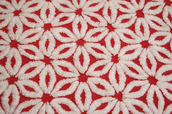 Red Daisy Hofmann Vintage Chenille Bedspread Fabric - 34 by 21 Inches