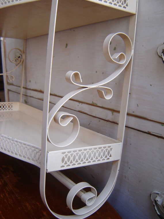 Vintage Metal Cottage Shabby Style Bath Shelf With Linen Towel
