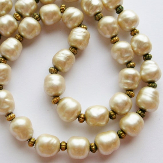 """Vintage 50s Baroque Pearl Designer Couture 23"""" Long Statement Runway Necklace"""