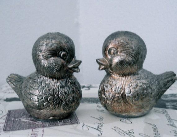 SALE SALE SALE Vintage Bird Salt and Pepper Shakers