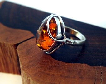 unique ring in Sterling Silver and Baltic Amber, size 8