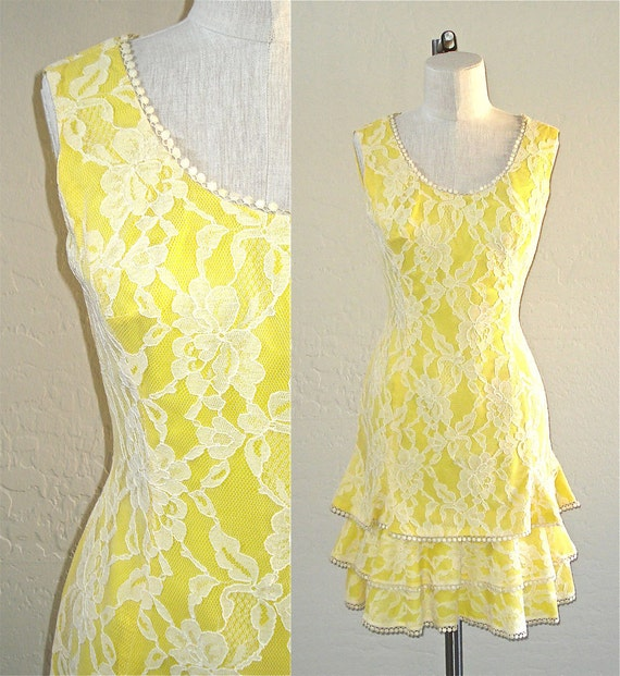 Vintage 70s cocktail dress YELLOW LACE ruffled sleeveless trumpet style - M