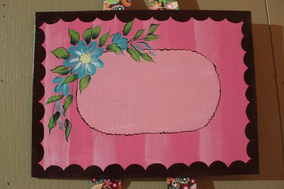Personalized bow holder for girl's room