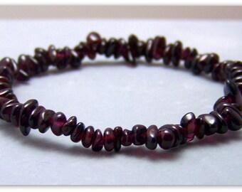 Stretch Bracelet - Gemstone Bracelet - Garnet Bracelet, Garnet Chips, Bead Bracelet, Gemstone Jewelry