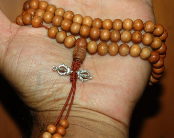 Sandalwood mala with Dorje Vajra Pendant for meditation
