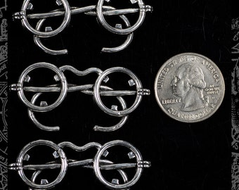 Antique Silver Steampunk Spectacle Wire Rimmed Glasses Pendants - * Set of Three  ZS-P14