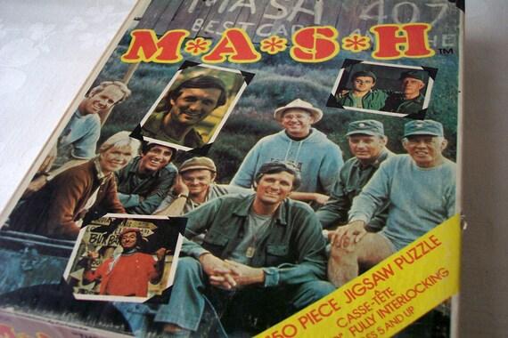 vintage mash jigsaw puzzle - the staff - 1970s -mash tv show