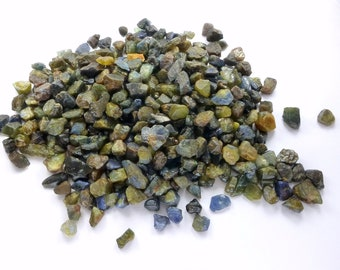 STaR SAPPHiRE Grab Bag. BLAcK FRiDay CyBer MoNday. PEARLy Metallic Mixed Colors. Rough Blocky Super Color. 40 pc. 8-10mm. 20 grams. (Sr194)