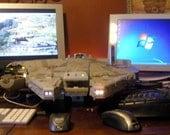 Starwars Millennium Falcon   Apple Mac and a PC computer   Windows 7  star wars Mac OSX 10.5