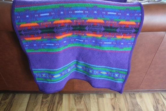 Pendleton Vintage Wool Small Throw Blanket / Rug / Shawl in Purple
