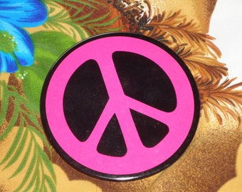 1960s or 70s Large Pink Peace Pinbck Button