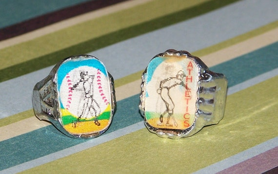 Pair of 1960s Vary Vue Baseball Flicker Rings