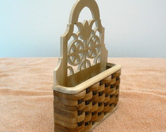 Tulip Design Wall Basket