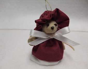 Free Shipping ) Casey  is a  Country Mouse Ornament  Great for Mice Rat Collector animal  loverBy Country Mouse Inn  (  110 )