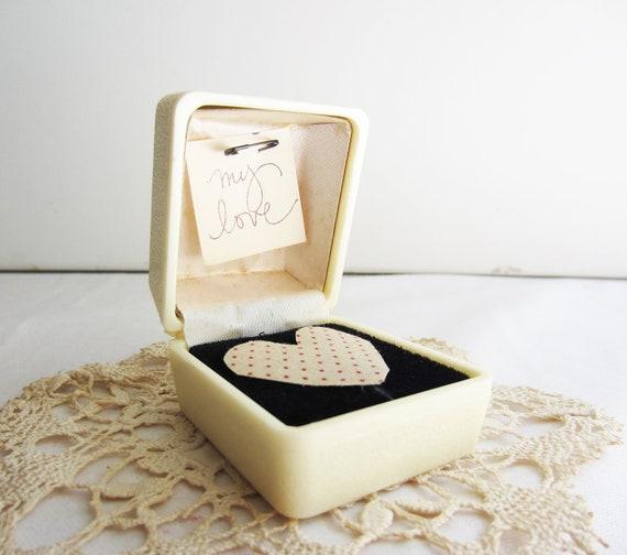 Vintage Cream Ivory Ring Presentation Box