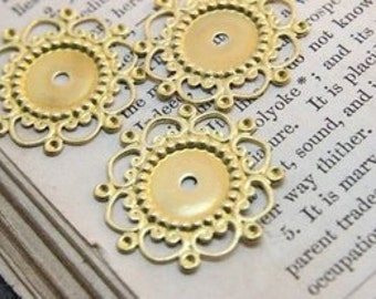 20  pcs RAW Brass Filigree  Jewelry Stampings ConnectorsSetting Cab Base Connector Finding  (FILIG-RB-24)