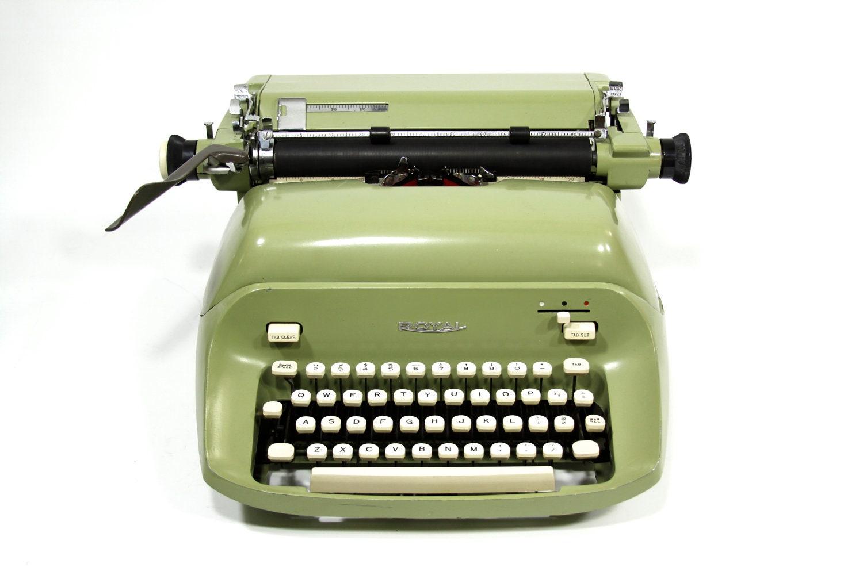 Typewriter Royal Empress