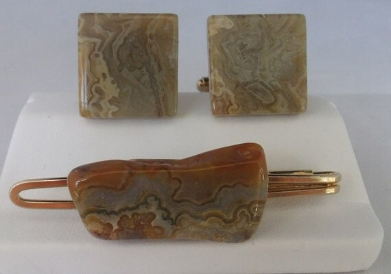 Vintage jewelry money clip and cuff lnik set well done in polish landscape agate and gold tone handmade Wedding cuff links